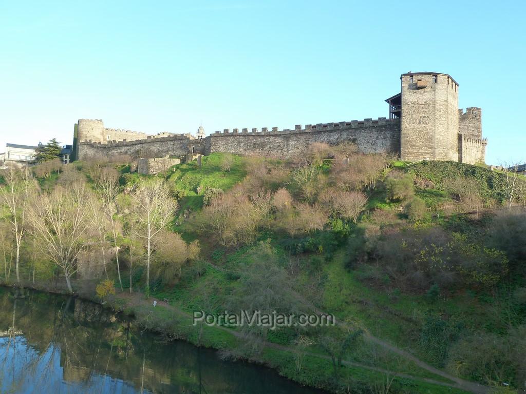 Castillo de los Templarios (Ponferrada) - vista desde el puente